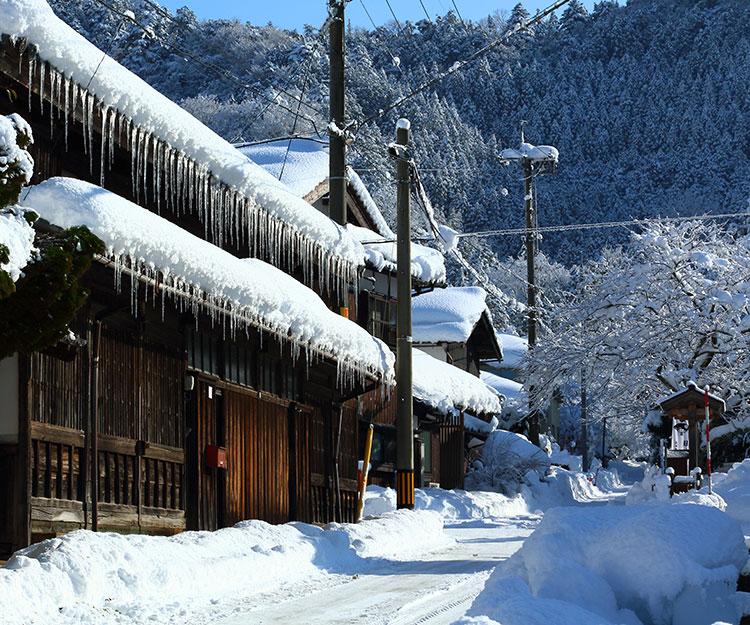【入選】冬の城下町伴和夫